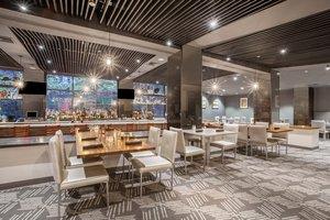 Restaurant - Crowne Plaza Hotel Danbury