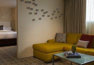 Room - Renaissance Hotel Baton Rouge