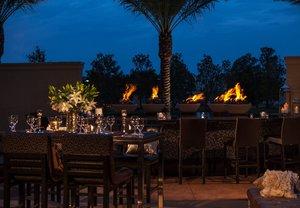 Bar - Renaissance Hotel Baton Rouge