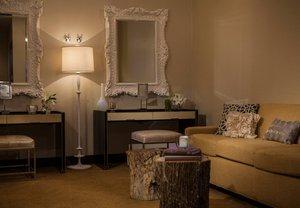 Suite - Renaissance Hotel Baton Rouge