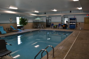 Pool - Holiday Inn Express Hotel & Suites Kent