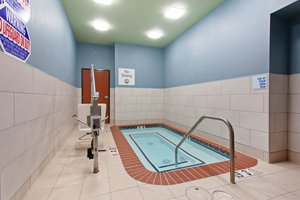 Pool - Holiday Inn Express Hotel & Suites Oakland