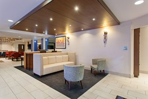 Lobby - Holiday Inn Express Hotel & Suites Oakland