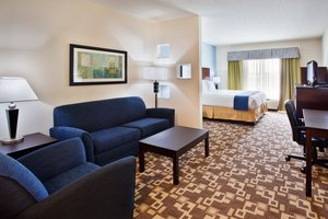 Suite - Holiday Inn Express Hotel & Suites I-285 Atlanta