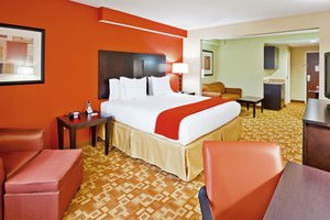 Room - Holiday Inn Express Hotel & Suites Germantown