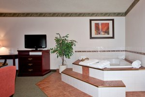 Suite - Holiday Inn Express Red Deer
