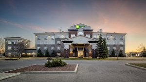 Exterior view - Holiday Inn Express Hotel & Suites Airdrie