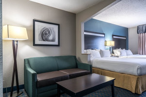 Room - Holiday Inn Express Hotel & Suites Southeast Roanoke Rapids