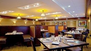 Restaurant - Holiday Inn Hotel & Suites Marlborough
