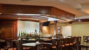 Bar - Holiday Inn Hotel & Suites Marlborough