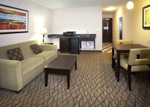 Suite - Holiday Inn Express Hotel & Suites South Tulsa