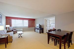 Suite - Holiday Inn Hotel & Suites Marlborough