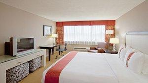Room - Holiday Inn Hotel & Suites Marlborough