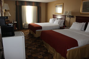 Room - Holiday Inn Express Hotel & Suites Thomasville