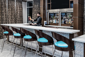 Bar - Holiday Inn Hotel & Suites College Station