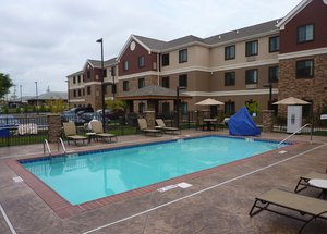 Exterior view - Staybridge Suites Bowling Green