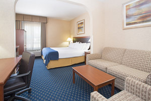 Suite - Holiday Inn Express Hotel & Suites Abilene