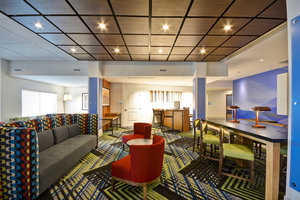 Lobby - Holiday Inn Express Hotel & Suites East Evansville