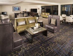 Bar - Sheraton Hotel Bloomington
