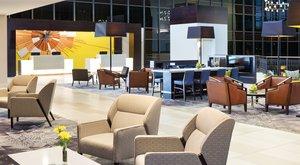 Lobby - Sheraton Hotel Bloomington