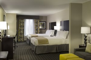 Suite - Holiday Inn Express Hotel & Suites Central Madison