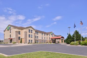 Exterior view - Holiday Inn Express Hotel & Suites West Topeka