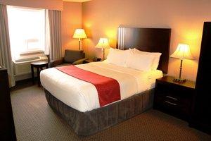 Room - Holiday Inn Airport Calgary