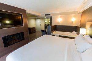 Suite - Holiday Inn Express Downtown Edmonton