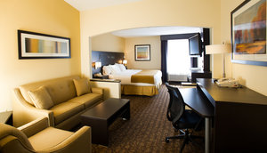 Room - Holiday Inn Express Hotel & Suites West Topeka