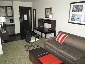 Room - Staybridge Suites Bowling Green