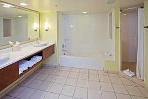- Holiday Inn Express Fishers