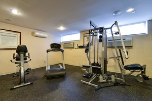 Fitness/ Exercise Room - Holiday Inn Express Staten Island