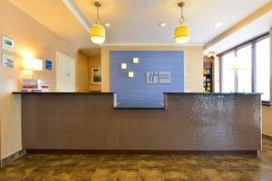 Lobby - Holiday Inn Express Staten Island