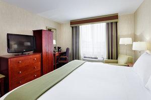 Room - Holiday Inn Express Staten Island