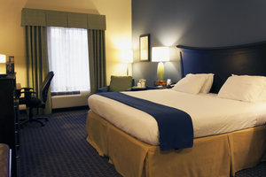 Room - Holiday Inn Express Hotel & Suites Largo
