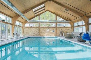 Pool Crowne Plaza Hotel Southwest Burr Ridge