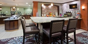 Restaurant - Staybridge Suites Maple Grove