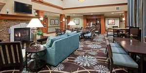 Lobby - Staybridge Suites Maple Grove
