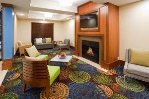 Lobby - Holiday Inn Express Cedar Rapids