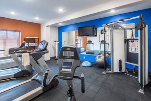 Fitness/ Exercise Room - Holiday Inn Express Cedar Rapids