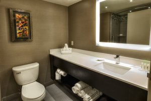 - Holiday Inn Philadelphia Bensalem