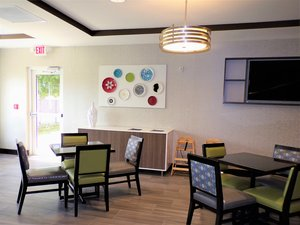 Restaurant - Holiday Inn Express Hotel & Suites Largo