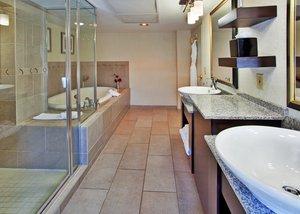 - Holiday Inn Downtown Aladdin Kansas City