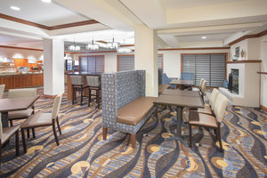 Restaurant - Holiday Inn Express Hotel & Suites Concordia