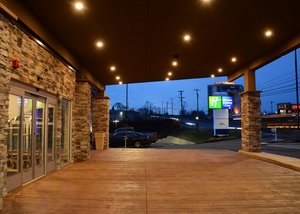 Exterior view - Holiday Inn Express Hotel & Suites Monroeville