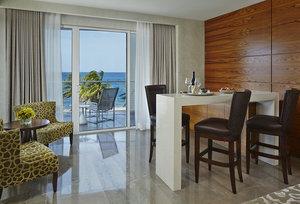 Room - Royal Blues Hotel Deerfield Beach