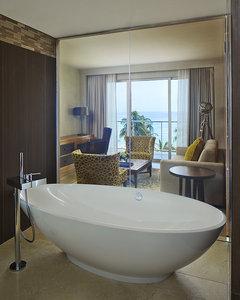 - Royal Blues Hotel Deerfield Beach