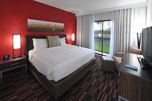 Room - Holiday Inn Las Colinas