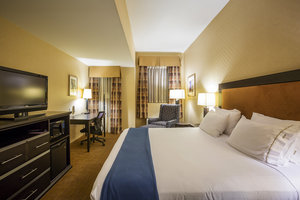 Room - Holiday Inn Express Hotel & Suites Richmond