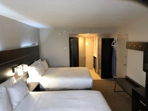 Room - Holiday Inn Express Hotel & Suites Hialeah